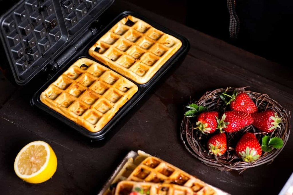 14 Best Inexpensive Waffle Maker 2021